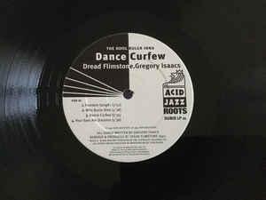 Dread Flimstone Presents Gregory Isaacs - The Kool Ruler Inna Dance Curfew (2LP)_画像2