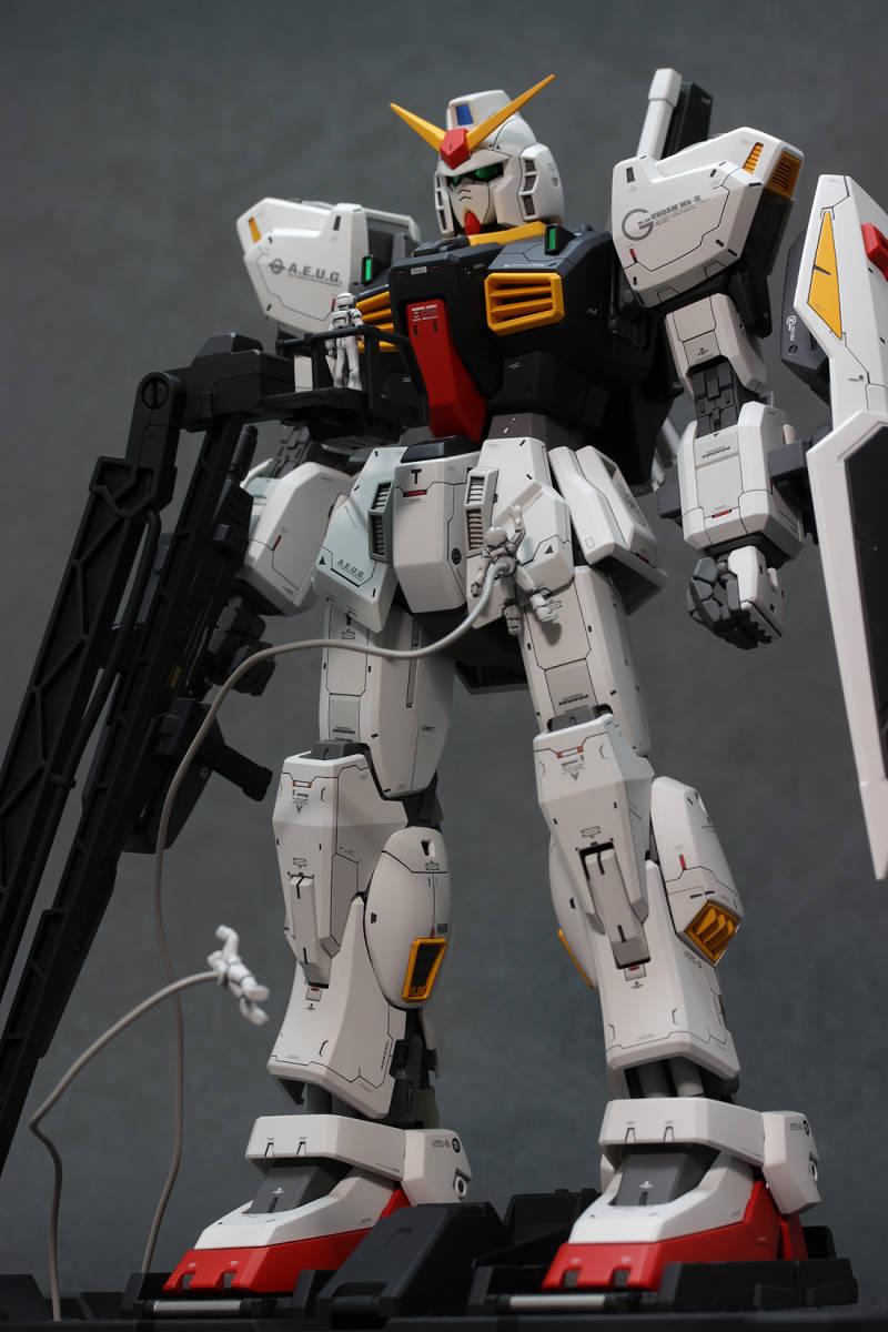 MG RX-178 ガンダムMk-II Ver.2.0 (エゥーゴ仕様) 徹底改修塗装済完成品 1/100 Zガンダム マーク2_画像6