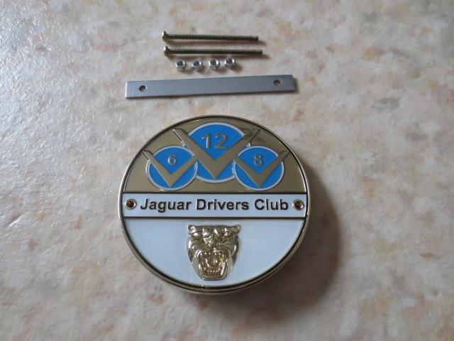 英国製ジャガードライバーズクラブバッジ・新品&未使用品★JAGUAR・XJ・XF・XE・F-PACE・CDEFタイプ・007ボンドカー・ディムラー・英国車_ボルトやナット等取り付け金具が付属します