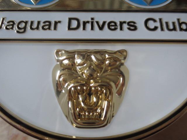 英国製ジャガードライバーズクラブバッジ・新品&未使用品★JAGUAR・XJ・XF・XE・F-PACE・CDEFタイプ・007ボンドカー・ディムラー・英国車_ジャガーマスクも立体的に詳細に造られます