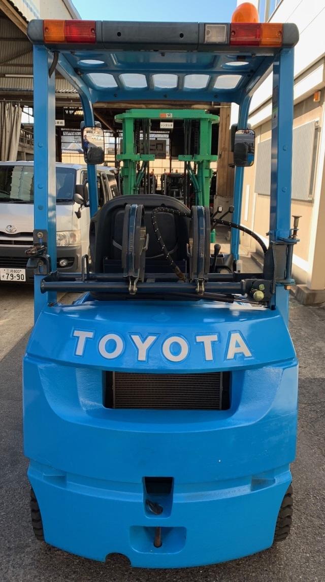 トヨタ 中古フォークリフト ガソリン 全回転 ロールクランプ 1t _画像4