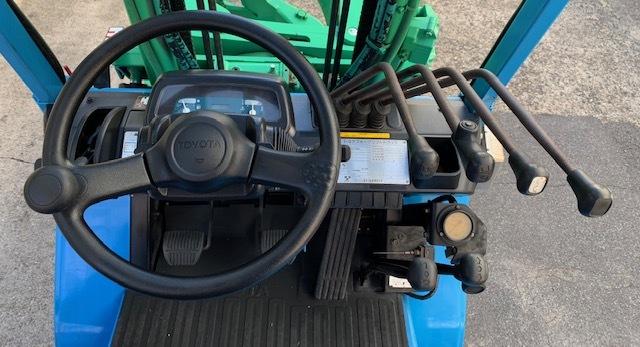 トヨタ 中古フォークリフト ガソリン 全回転 ロールクランプ 1t _画像8