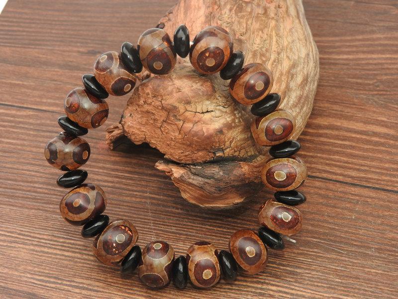 西蔵収集 瑪瑙製 三眼天珠 仏珠 ブレスレット 腕輪 根付 数珠 風水開運