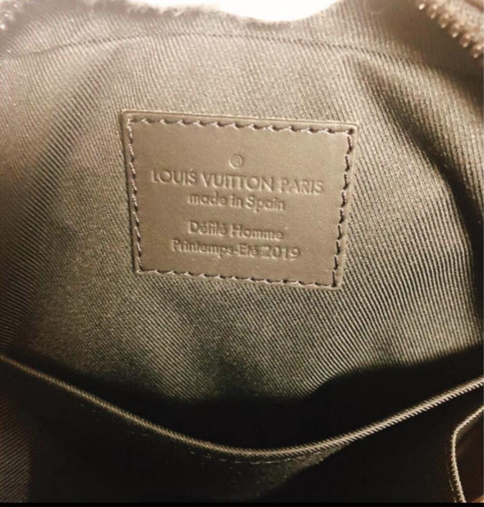 国内正規 新品 LOUIS VUITTON ルイヴィトン 19ss VIRGIL ABLOH ヴァージルアブロー M44428 UT.SIDE BAG モノグラム ウエスト バッグ ポーチ_画像3