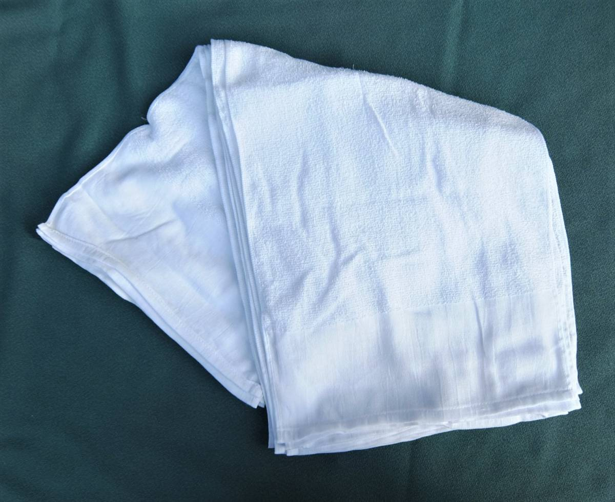 T-008H まとめて300枚 輸入品 白タオル フェイスタオル 160匁 G31104 平地付 綿100% 理容 銭湯 介護 雑巾 タオル 白 業務用 新品_画像1