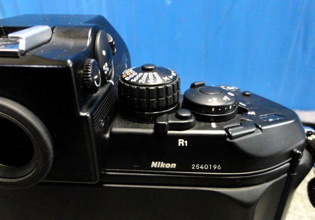 【YU340】NIKON ニコン 一眼レフカメラ F4S バッテリーパック MB-21付き ボディ 連写仕様 モダン クラシック フィルムカメラ_画像4