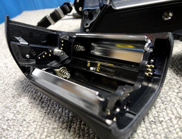 【YU340】NIKON ニコン 一眼レフカメラ F4S バッテリーパック MB-21付き ボディ 連写仕様 モダン クラシック フィルムカメラ_画像9