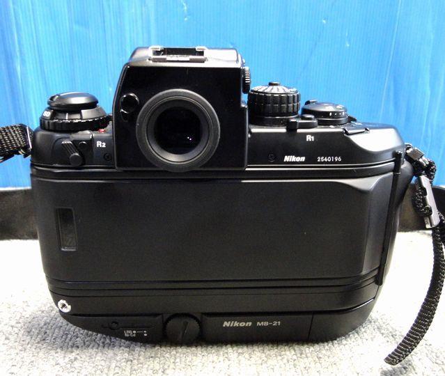 【YU340】NIKON ニコン 一眼レフカメラ F4S バッテリーパック MB-21付き ボディ 連写仕様 モダン クラシック フィルムカメラ_画像2