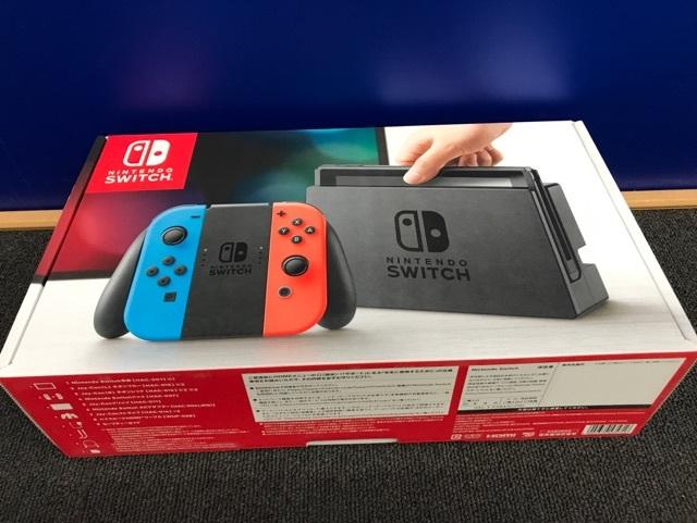 新品未使用☆任天堂 Nintendo Switch 本体 ネオンブルー/ネオンレッド_画像1