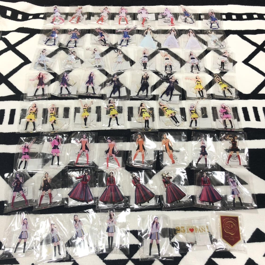 安室奈美恵 ガチャガチャ フルコンプリート アクリルスタンド63種 マグネット57種 マスキングテープ1種 全121種類 日本製