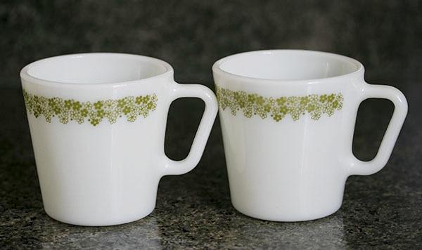 美品! パイレックス マグ スプリングブロッサム 2個セット 耐熱 ミルクグラス コーヒー_画像1