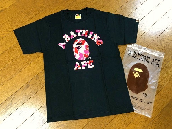 カウズ Original Fake × BAPE COLLEGE TEE 黒(S) 5th Anniversary 5周年記念 KAWS