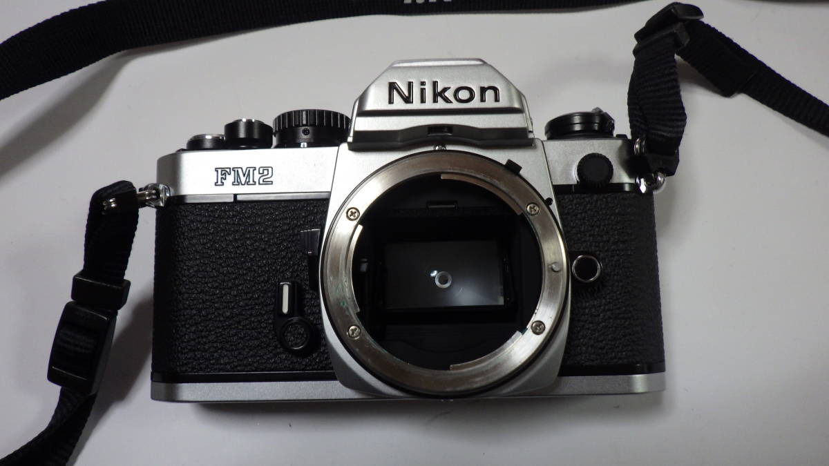 Nikon New FM2 AF NIKKOR 24-50mm 1:3.3-4.5 美品 FM2は元箱・取説付き おまけにフラッシュSB-22S付_画像3