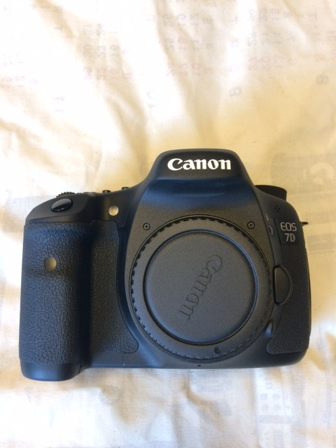 ★超美品★ Canonキャノン EOS7Dボディ ワンオーナー シャッター数わずか7740 元箱付属品完備 16GB CF付 【送料無料】