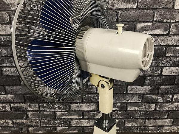 動作品 東芝 TOSHIBA 扇風機 H-30P10 羽根径30cm 4枚羽根 高さ 調整 タイマー 付 昭和 レトロ ヴィンテージ 家電 コレクション 稼働 札幌 _画像9