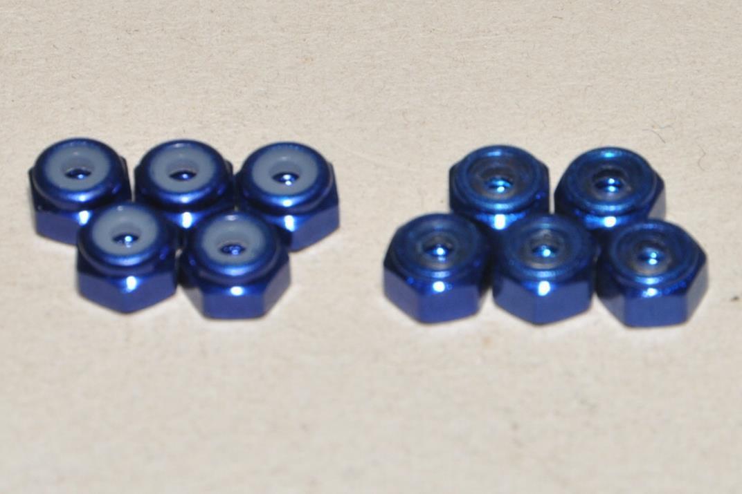 スクエア M2 アルミナイロンナット ヨコモブルーアルマイト(2セット10個) SGE-12BY_2セット10個です