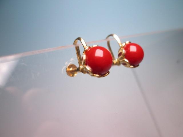【江月】18K 血赤珊瑚玉のデザインイヤリング 3,35g ケース付 _画像2