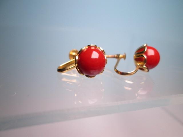 【江月】18K 血赤珊瑚玉のデザインイヤリング 3,35g ケース付 _画像5