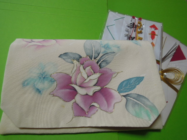 white color ground . pink color group . flower . gold color. line *L size gold . inserting fukusa * silk ground * handmade