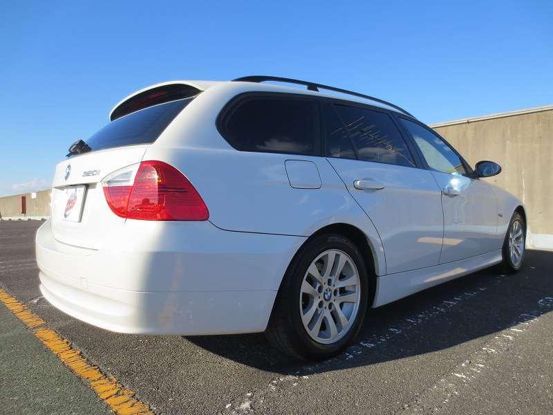 BMW 320 i  ツーリング 2WD 禁煙車