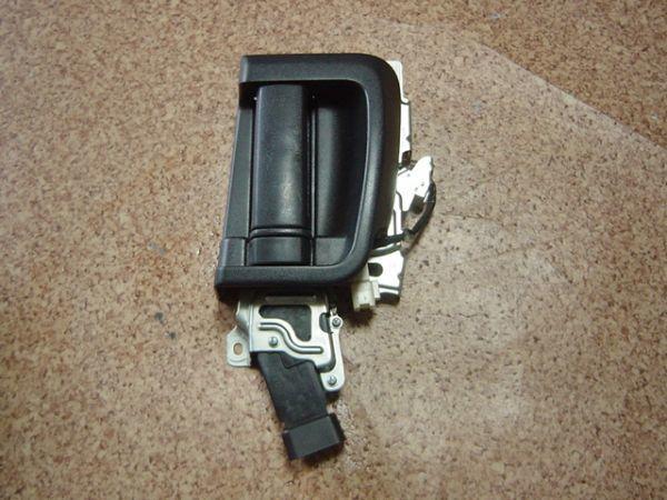 ヴォクシー/VOXY CBA-AZR65G 後期 トヨタ純正 リア右スライドドア用ドアロックアクチュエーター ソレノイド 運転席側/AZR60G/ノア/8Z26_画像1