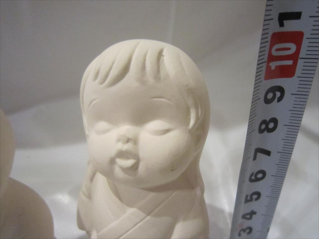 昭和 レア 骨董 女の子 詳細不明/高さ10.5cm/中古品/伝統工芸 土人形 日本人形 男の子 陶器製 置物 _画像2
