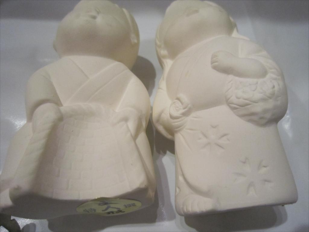 昭和 レア 骨董 女の子 詳細不明/高さ10.5cm/中古品/伝統工芸 土人形 日本人形 男の子 陶器製 置物 _画像8
