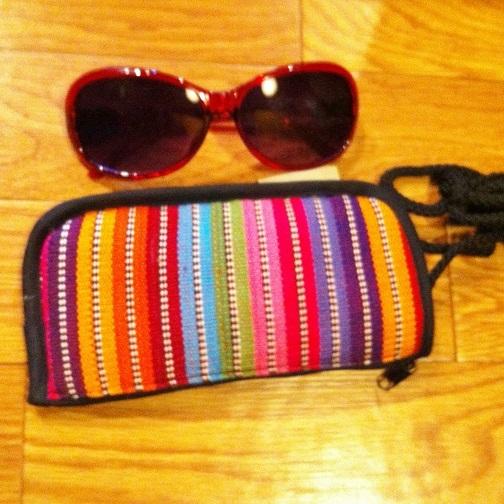 首から下げられる♪グアテマラ製コットン縦型メガネケースポケット付A 布製サングラス眼鏡入れ エスニック南米雑貨 ユニセックス男女共用