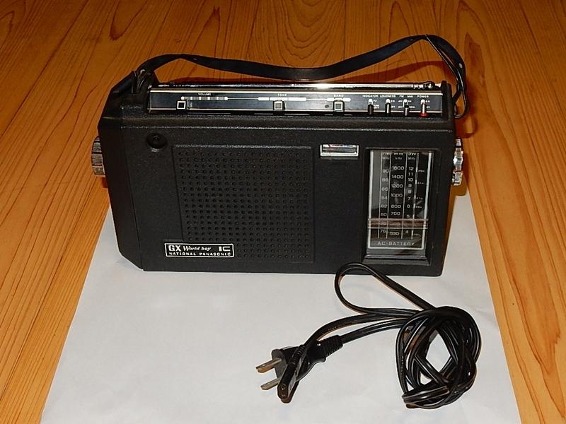 松下電器産業(パナソニック)RF-858 AM・FM・SW 3バンドラジオ (ジャンク品)