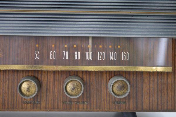 HE953 真空管ラジオ ビクター Victor ■昭和レトロ/ジャンク扱い/美品/ディスプレイ/オブジェ/部品取り/機器/スロデパ_画像3