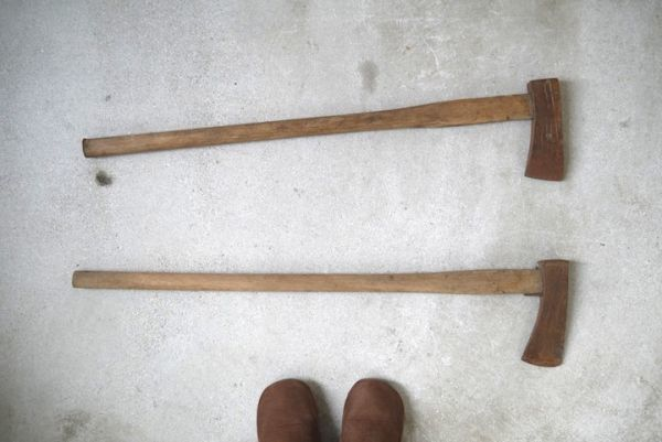 OT2233 斧 2本 刃幅約7.5cm/7.2cm ■製材道具/大工道具/薪割り/工具/古民具/古道具/山師/時代/スロデパ