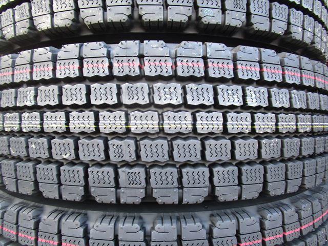 送料無料 スタッドレス 225/90R17.5 W910 新品 4トン TOPY 17.5×6.00 135-9 6穴 両面再塗装 6本セット_画像4