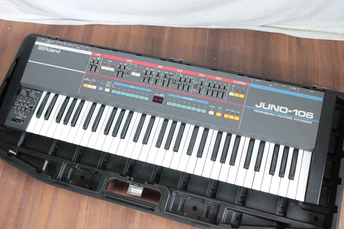 74KOO Roland JUNO-106 synthesizer Roland keyboard keyboard