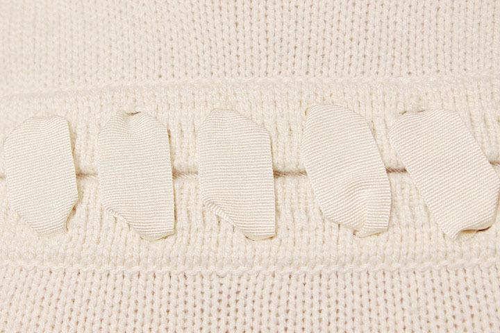 【1点限り 即決】美品 FENDI フェンディ カシミヤ100% リボン ステッチ ニット セーター 七分袖 ホワイト size 38 レディース 国内正規_画像5