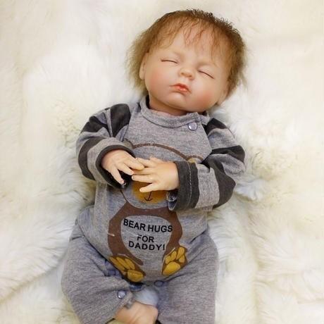 【送料無料】リボーンドール 赤ちゃん人形 ベビードール 海外ドール リアル ハンドメイド 高級 服 衣装付き かわいい 寝顔 乳児 男の子