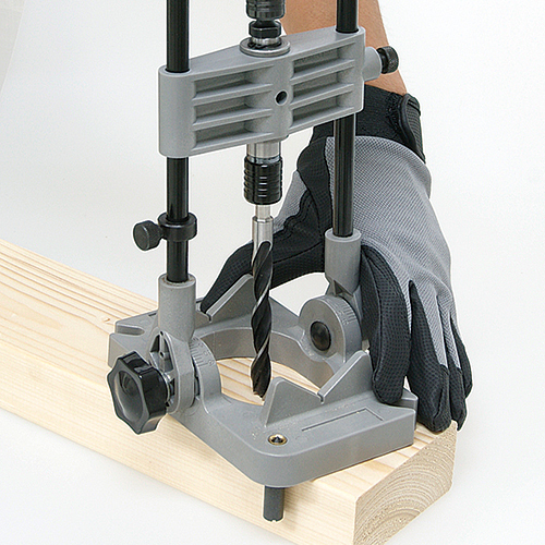 SK11 ワンタッチ式ドリルガイド SIDG-1・垂直・斜め・丸棒・中心に簡単に穴あけができます。_使用例です