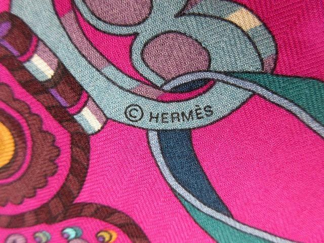 美品 エルメス ■ カシミア65% シルク35% スカーフ140 Sous l'egide de mars 軍神マルス 2018年秋冬 カレ 小物 箱付 HERMES (62686B_画像9