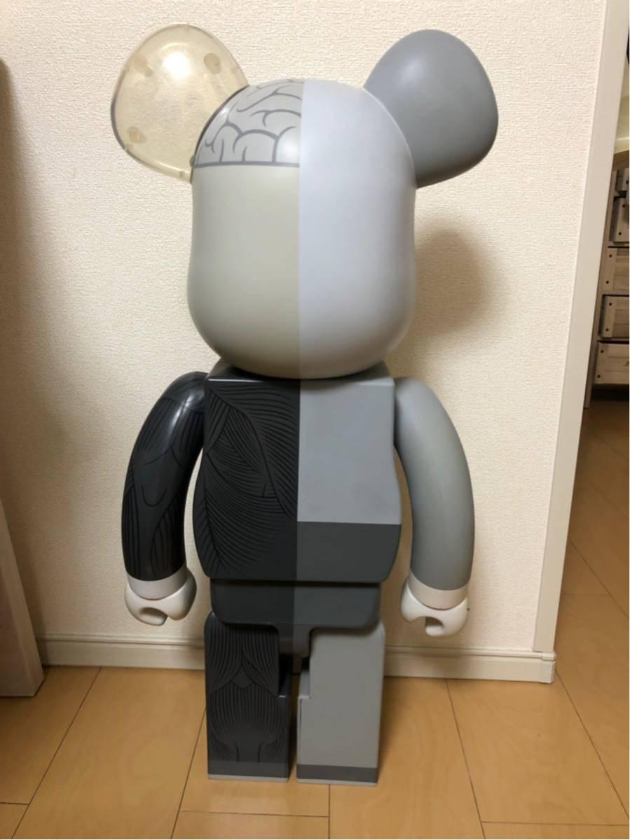入手困難 BE@RBRICK ベアブリック KAWS 人体模型 グレー 1000% カウズ コンパニオン Original Fake COMPANION オリジナルフェイク_画像3