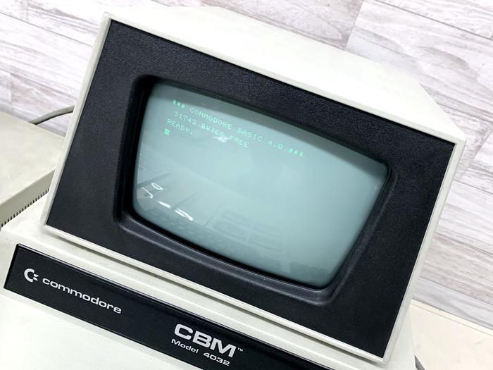 ■commodore CBM Model 4032 コンピューター Model 4040 フロッピードライブ コモドール■_画像2