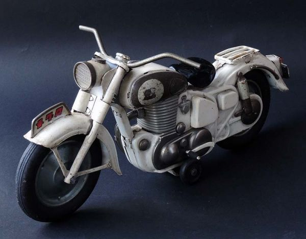 ≫白犬≪ ≫ オートバイ メグロ 白  長さ約30cm ≪_画像2