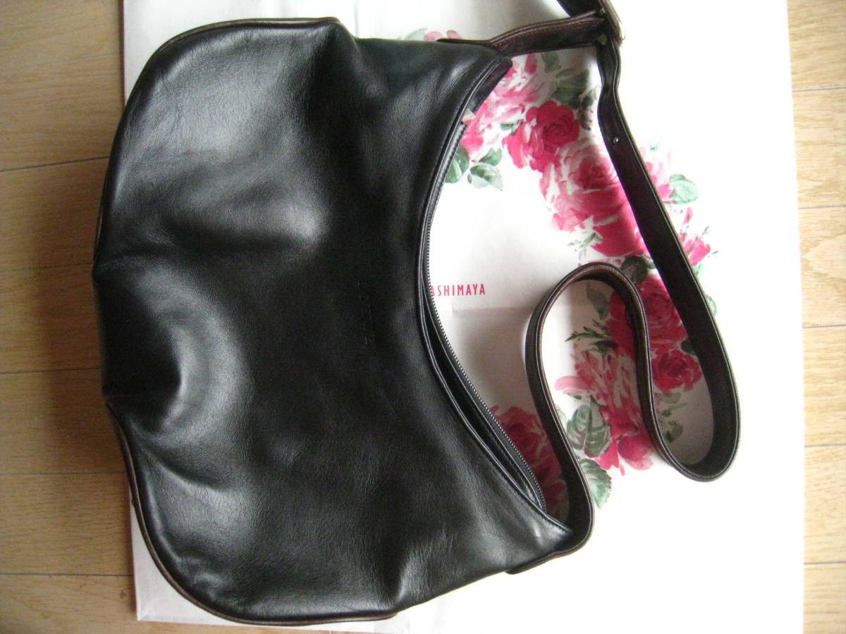newest 1c452 e6813 ロエベバッグ シックな黒/お手頃価格でお買い得 最高級ブランド スペイン王室御用達で良質な革