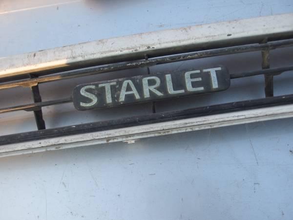 【即決】スターレット フロントグリル ジャンク扱い EP82_画像3