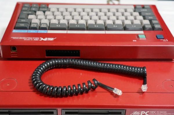 PC-6601SR本体(赤色 RED)+ 専用キーボード / 2ドライブ仕様 / NEC_画像5