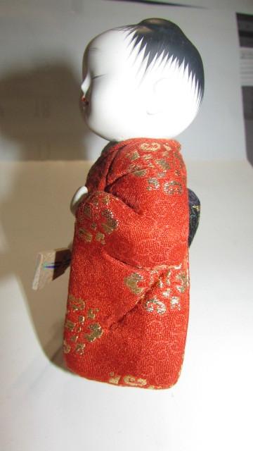 (旧家・蔵出し)(古い味わいのある作家物・萌春作・羽子板を持つ女の子木目込み人形)貴重・珍品_画像6