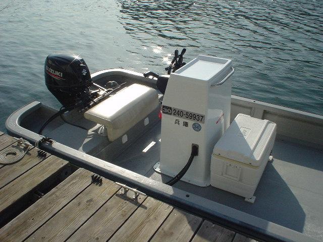 恒例の年末年始大処分・中古リメイク和船・W-27・新古DF-30馬力付_画像3