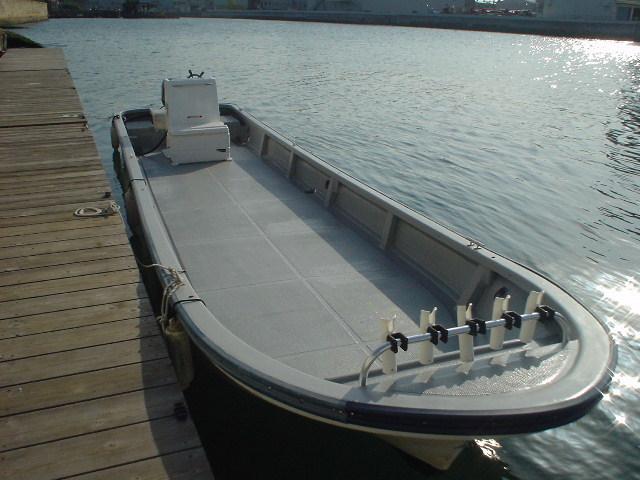恒例の年末年始大処分・中古リメイク和船・W-27・新古DF-30馬力付
