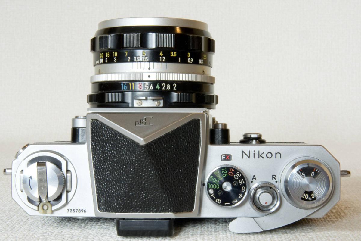 ニコンF アイレベル シルバー 725万番台 Nikkor-H Auto 50mm F1:2.0 接写リング、ケース等セット 正常動作品_画像4