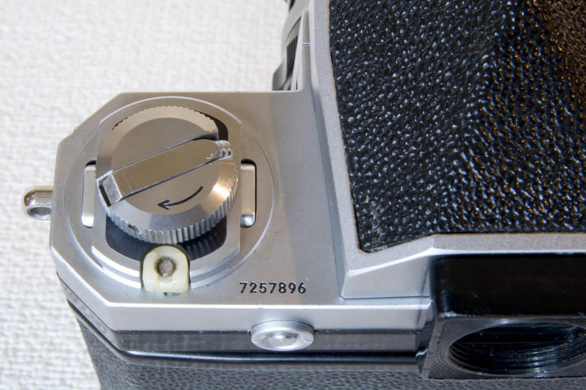 ニコンF アイレベル シルバー 725万番台 Nikkor-H Auto 50mm F1:2.0 接写リング、ケース等セット 正常動作品_画像9