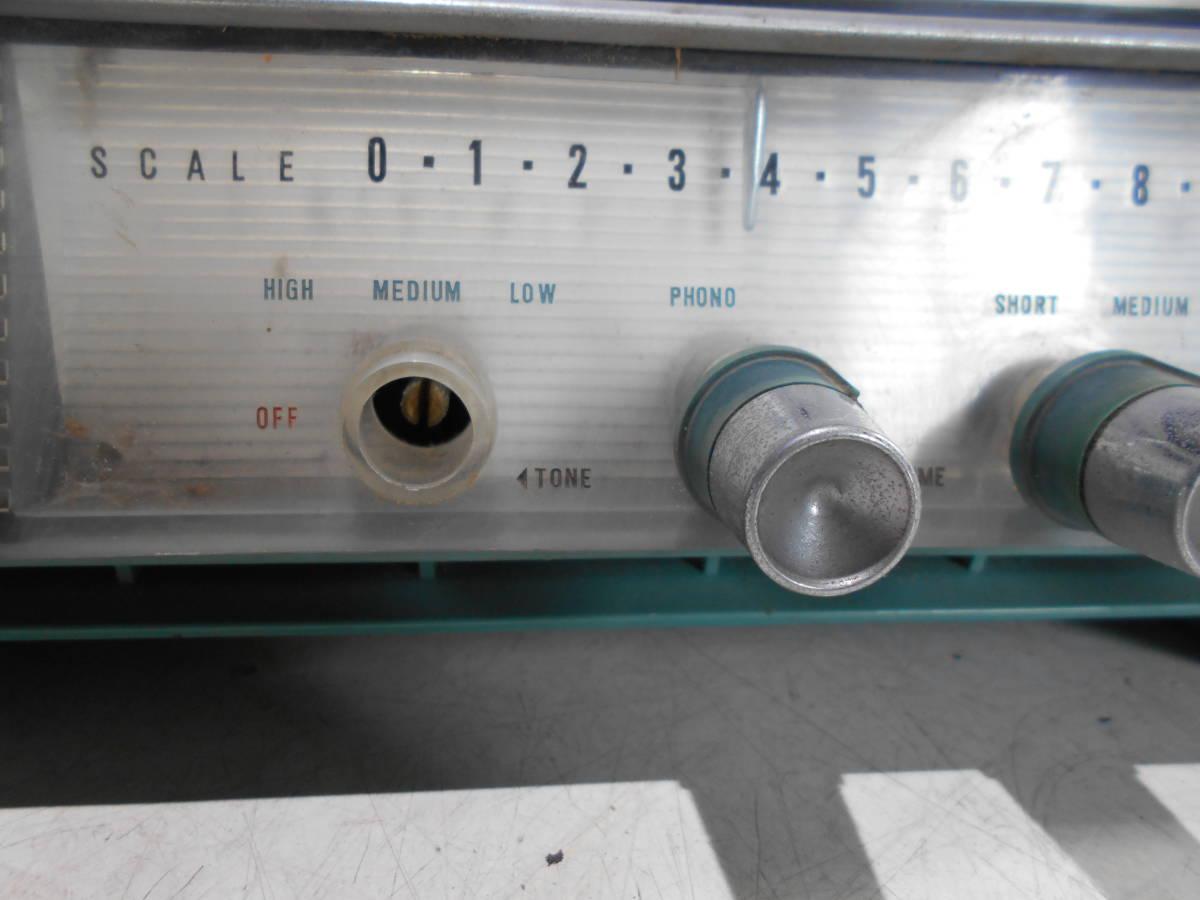 昭和レトロ SANYO AU WAVE De Duxe SF-77 真空管ラジオ ジャンク_画像2