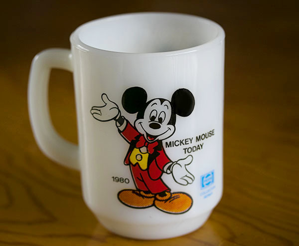 美品! ファイヤーキング マグ ミッキーマウストゥデイ ディズニー 9オンス 耐熱 ミルクグラス コーヒー ペプシコーラ_画像2